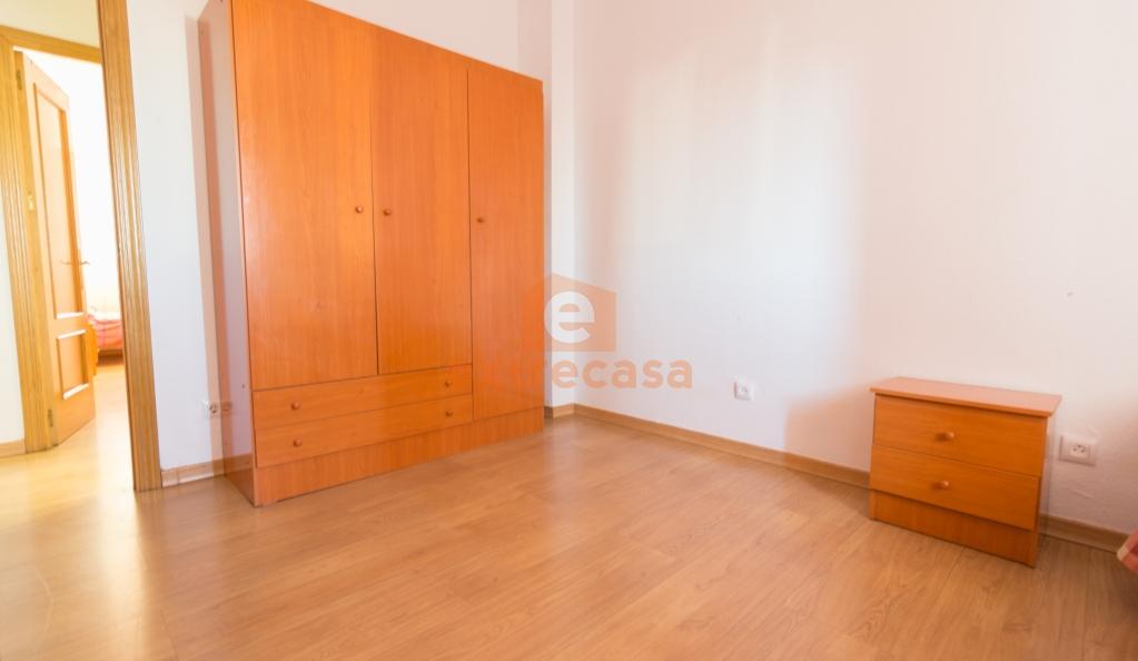 Amplio piso en alquiler