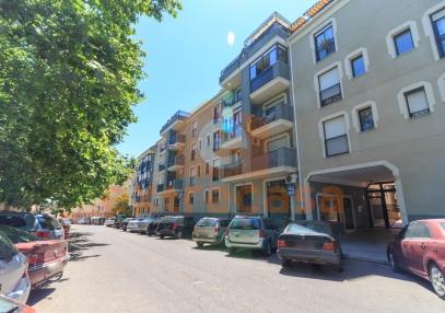 Ático dúplex con 4 habitaciones en venta